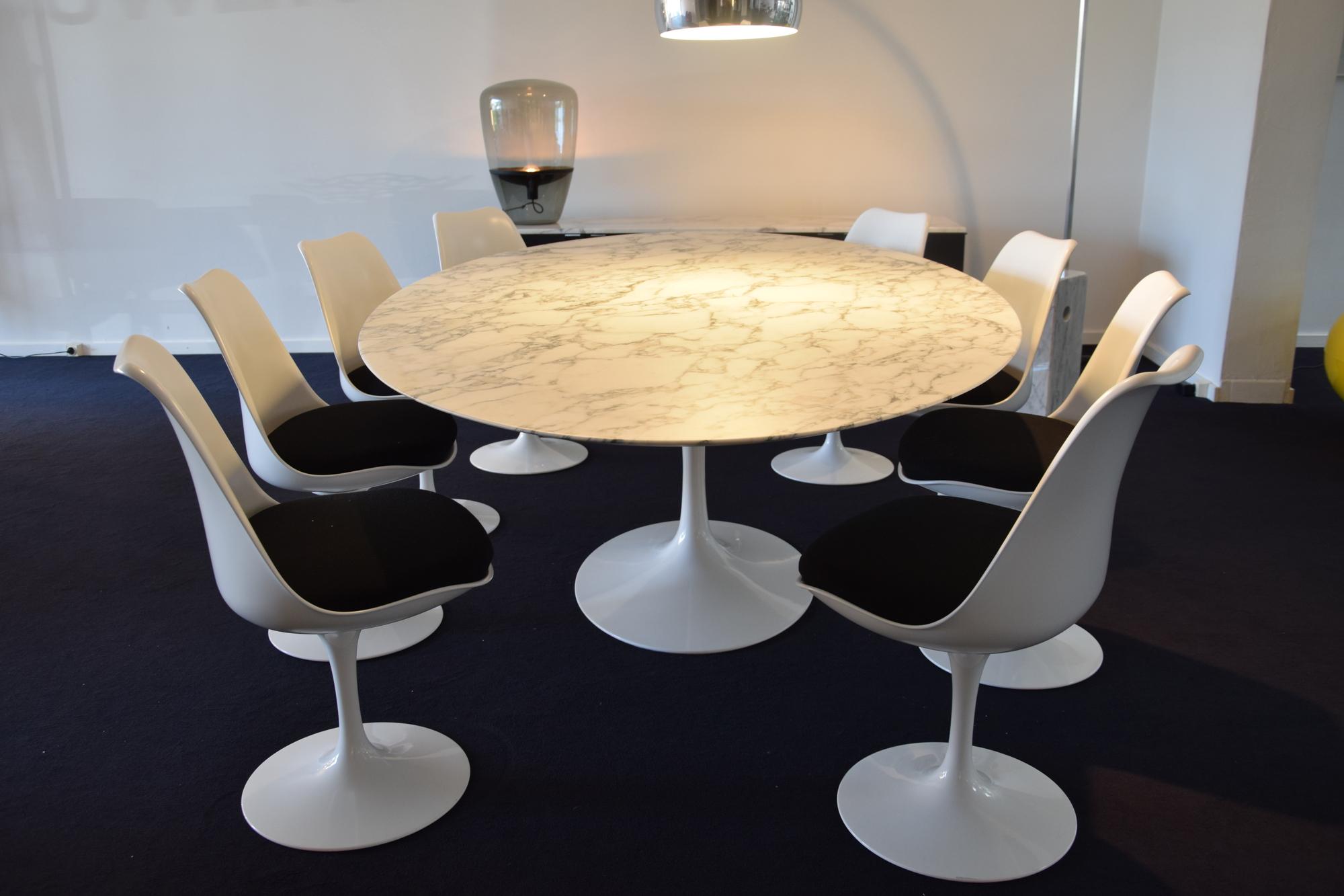 Knoll ovalen saarinen tafel met 8 stoelen delmi decor - Tafel knoll ...