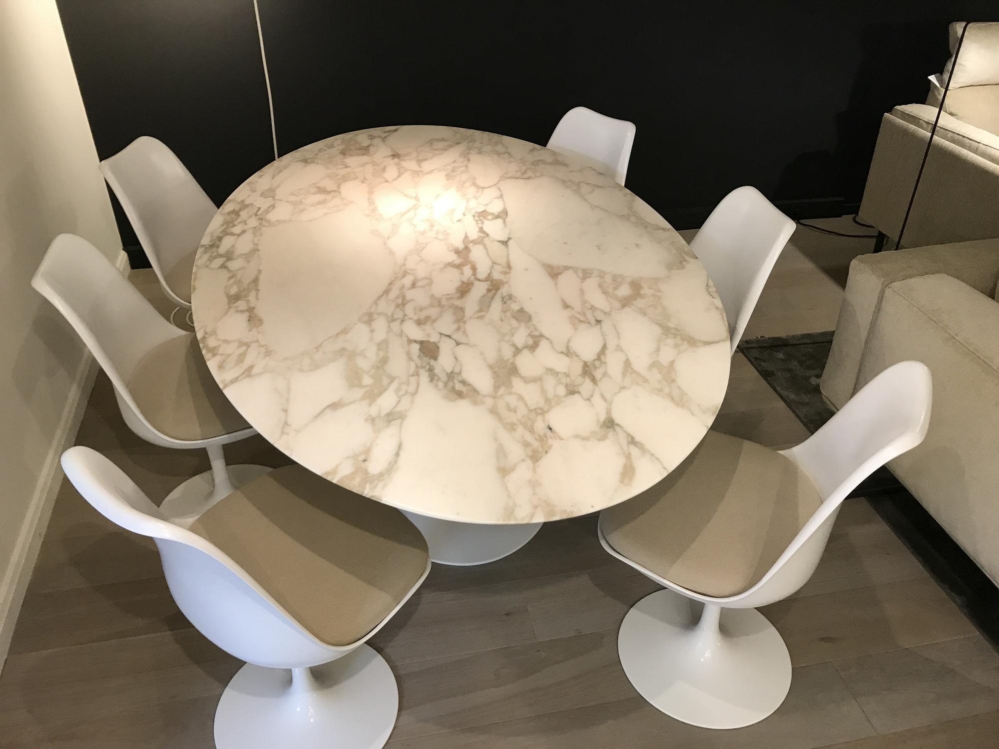 Saarinen Tafel Ovaal : Knoll saarinen tafel ovaal met tulip stoelen delmi decor